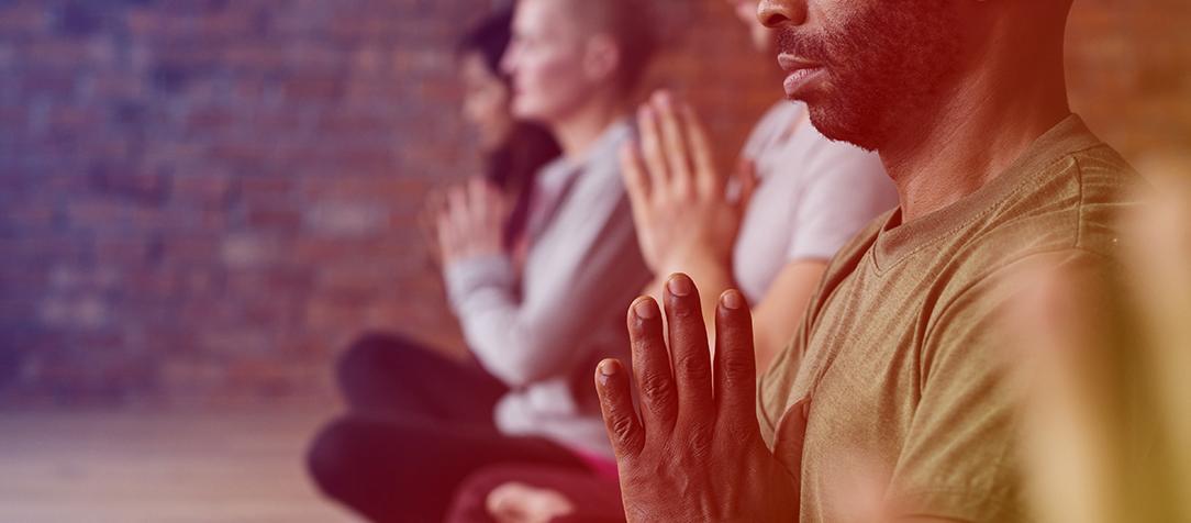 """""""Meditação para céticos ansiosos"""": o que a prática pode nos ensinar"""